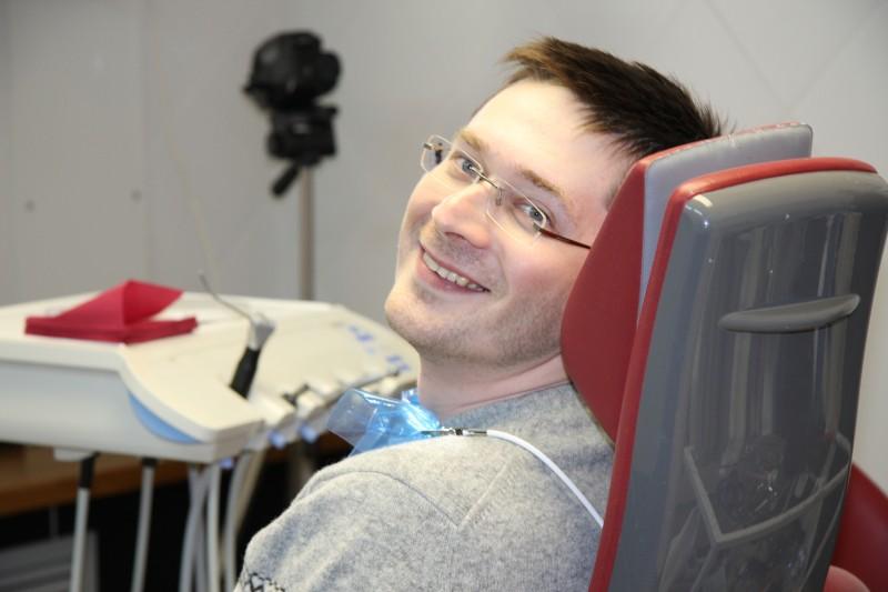 На приеме у стоматолога в ОРИС - есть место улыбке